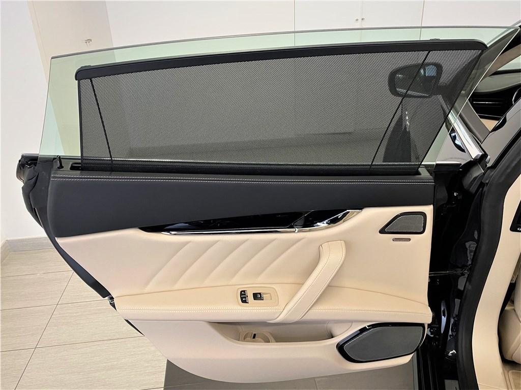 Maserati Quattroporte VI 3.0 V6 BI-TURBO 430 S Q4 GranLusso